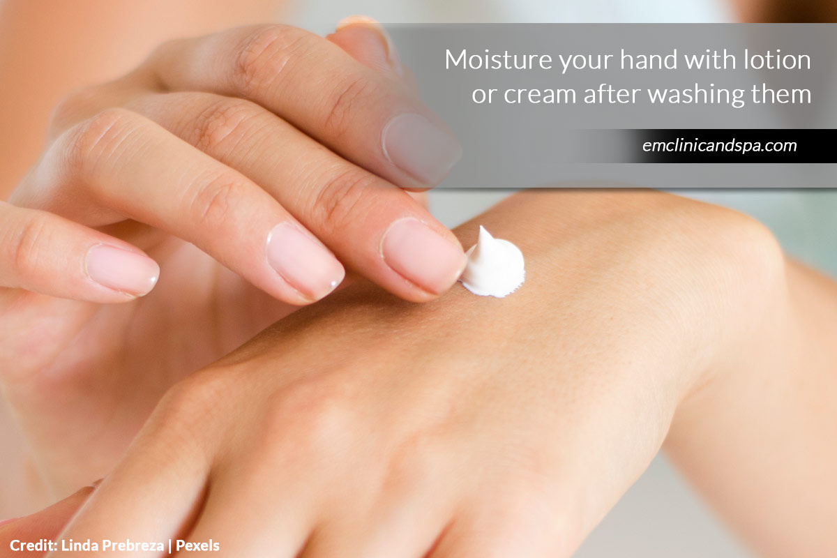 Moisture your hand with lotion or cream